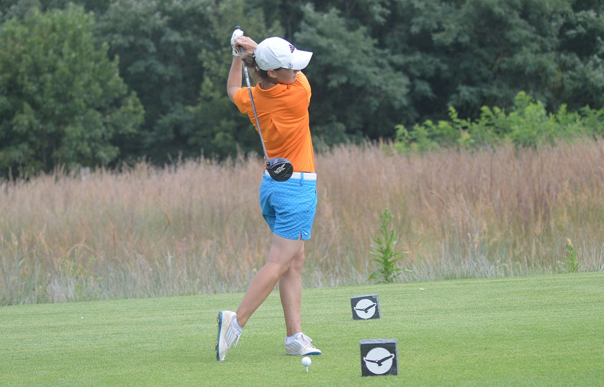 Amber Mechtley and the women's golf team wraps up the fall season on Oct. 25