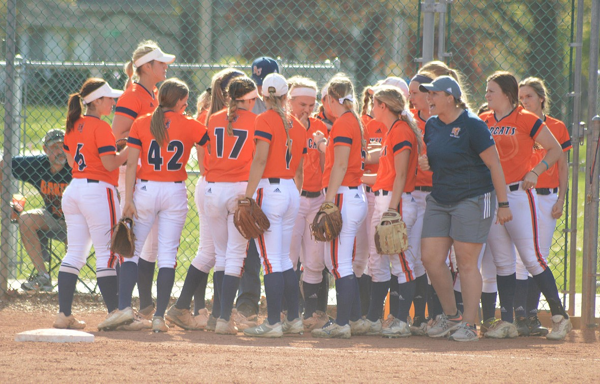 Photo for Baker Softball Earns Five NAIA Scholar-Athletes