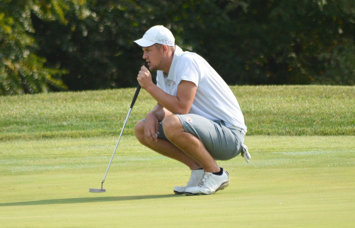 Riley Kemmer led Baker with a T-3 finish over the weekend
